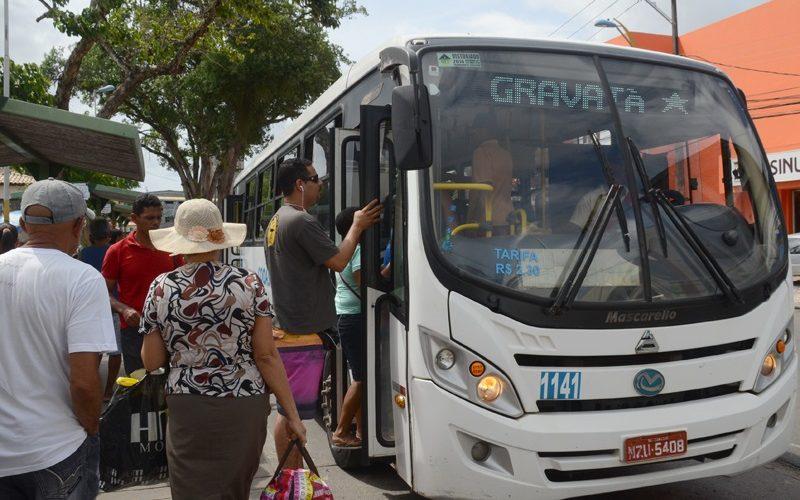 Transporte coletivo tem frota reduzida; saiba quais são os horários e roteiros disponíveis