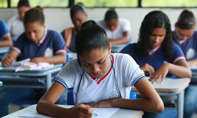Começa segunda-feira a renovação da matrícula na rede estadual de ensino