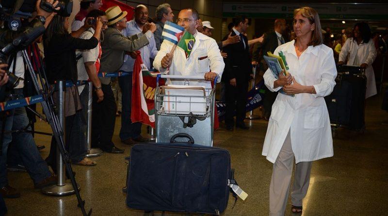 Saída de cubanos do Mais Médicos pode deixar 28 milhões de brasileiros sem assistência