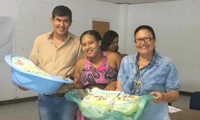 Dias d'Ávila: governo entrega kits de enxovais para gestantes