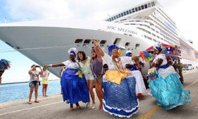 Seis milhões de turistas devem gastar R$ 6 bi no verão da Bahia