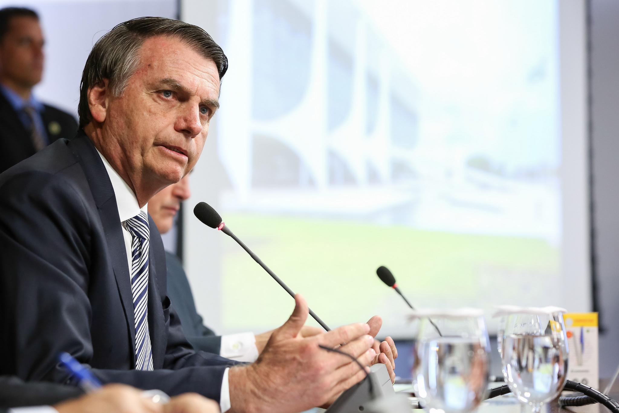 """Ministros estão """"mapeando"""" o Brasil para identificar problemas, afirma Bolsonaro"""
