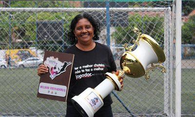 Dilma Mendes concorre a prêmio de melhor treinadora de Fut7 do mundo