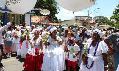 Baianas, grupos culturais e charangas animam a lavagem de Barra do Pojuca