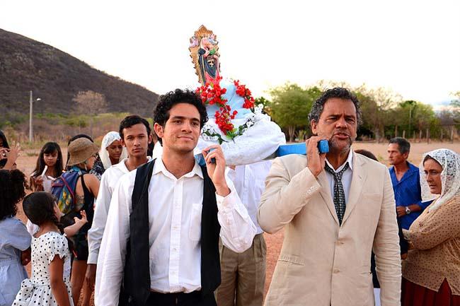 Circuito de Cinema Luís Orlando leva produções nacionais para comunidades de Camaçari