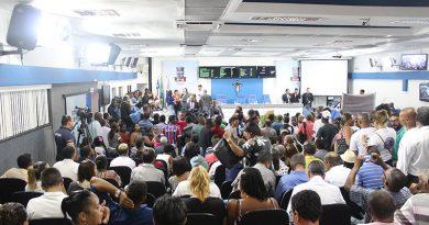 Camaçari: com plenário lotado, Câmara Municipal inicia trabalhos em 2019