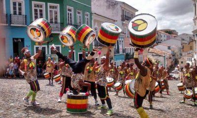 Olodum agita o palco principal do Mercado Iaô com entrada gratuita