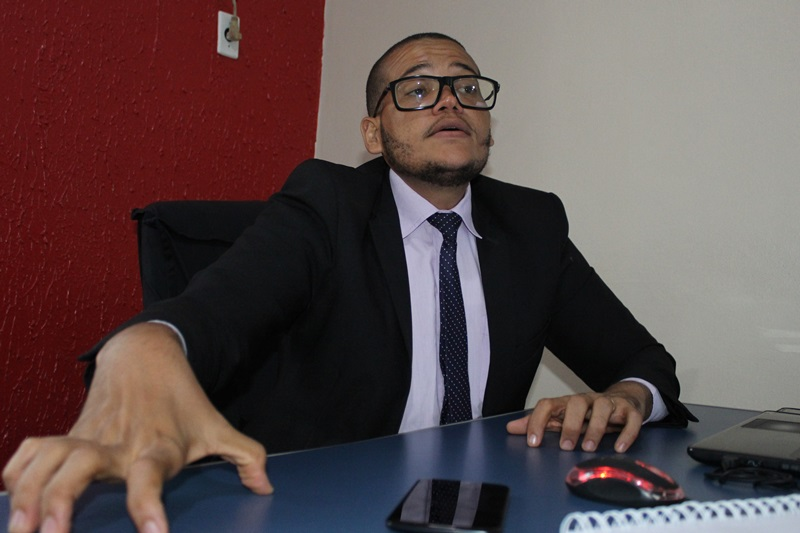 Direito do Consumidor: Cleiton Souza faz alerta para compras presenciais e online