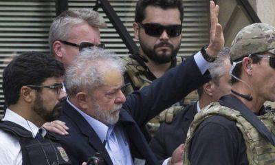 Lula volta para carceragem em Curitiba após cremação do corpo do neto