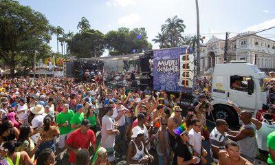 Movimento musical MUDEIdeNOME arrasta multidão no circuito Osmar em Salvador