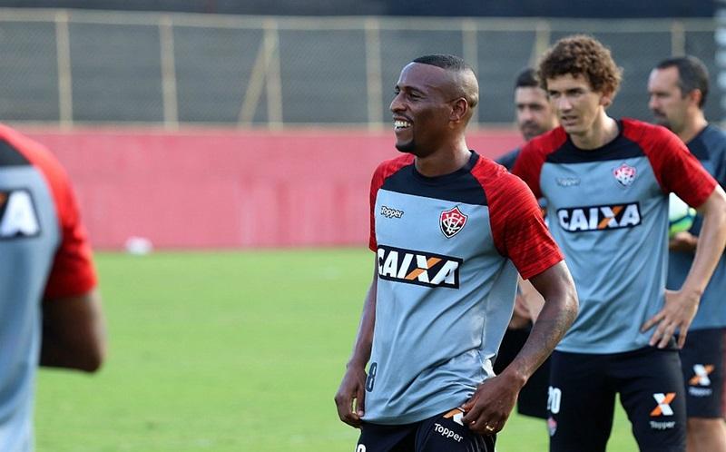 Vitória terá à disposição o lateral Jeferson para partida hoje contra o Botafogo-PB