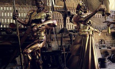 Com venda de prédio, Correios doam esculturas de Mário Cravo Júnior ao Governo da Bahia
