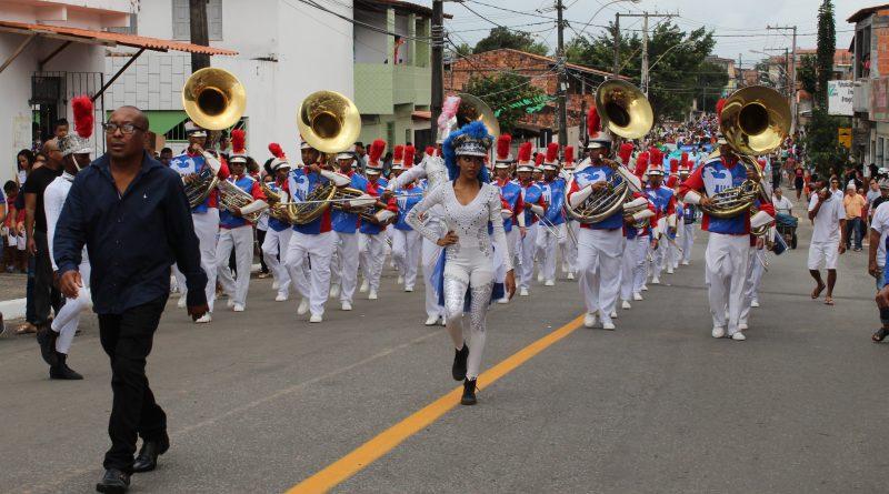 Camaçari: governo formaliza convênio com bandas e fanfarras; projeto beneficia 38 escolas