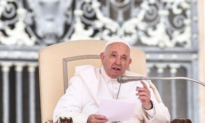 """Em carta enviada a Lula, Papa Francisco pede para o ex-presidente """"não desanimar e continuar confiando em Deus"""""""