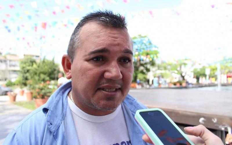Contra a reforma da Previdência, trabalhadores vão às ruas e fecham comércio de Camaçari