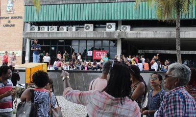 Em manifestação, professores cobram melhorias na educação de Camaçari e reajuste salarial