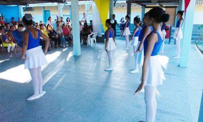 Após reforma, escola de ballet é reinaugurada em Dias d'Ávila