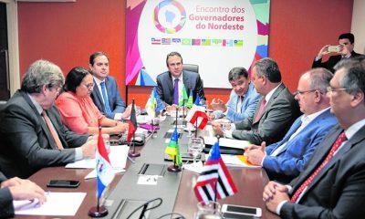 """Em carta, governadores do Nordeste declaram """"espanto e profunda indignação"""" à declaração de Bolsonaro"""
