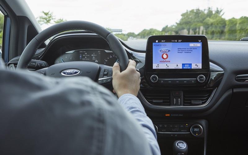 Ford testa tecnologia que ajuda motorista a localizar vagas de estacionamento