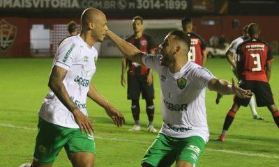 Vitória perde mais uma em casa e já soma sete derrotas no Brasileiro