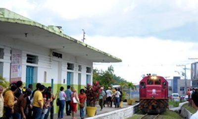 """""""Poema: Quem será o novo trem a dominar a estação?"""", por Cleiton Souza"""
