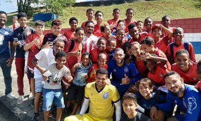 Garotos da base do Abrantes FC visitam Centro de Treinamento do Bahia