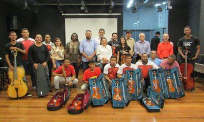 Dias d'Ávila: Orquestra Guerreiros do Sol ganha novos instrumentos musicais do governo