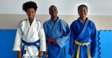 Estudantes de Camaçari participam de competição nacional de judô