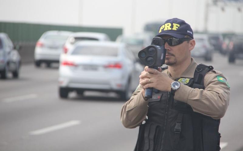 PRF deve retomar uso de radares móveis em estradas