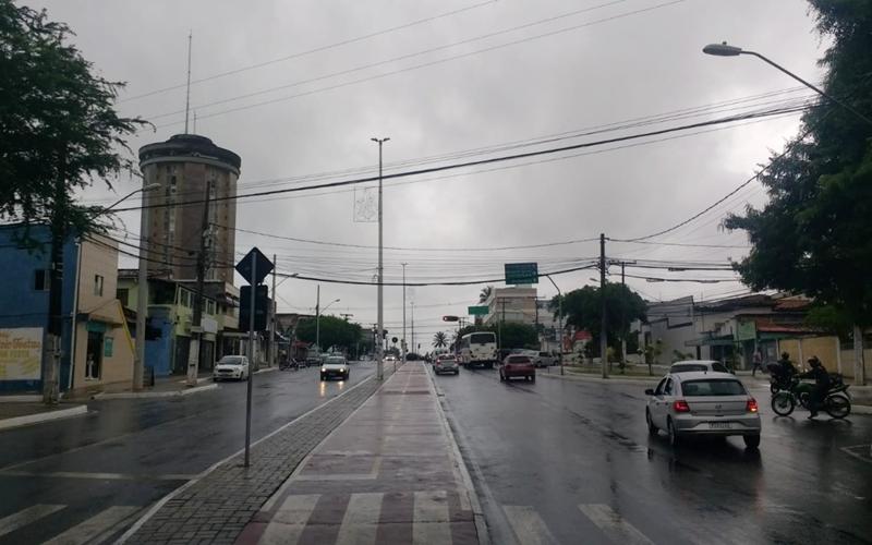 Chuva deve aumentar a noite e diminuir no fim de semana em Camaçari; confira previsão