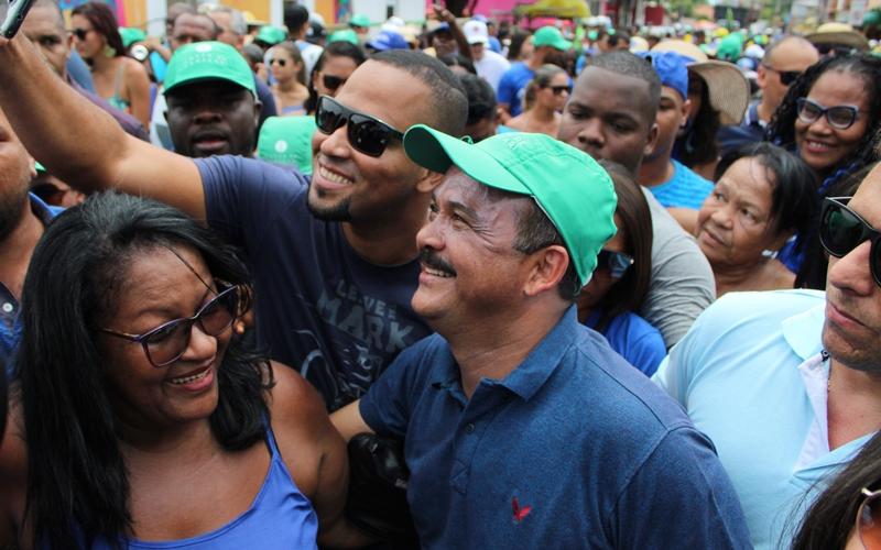 """""""Nós fizemos muito mais em quatro anos do que eles fizeram em doze"""", dispara Elinaldo sobre disputa eleitoral"""
