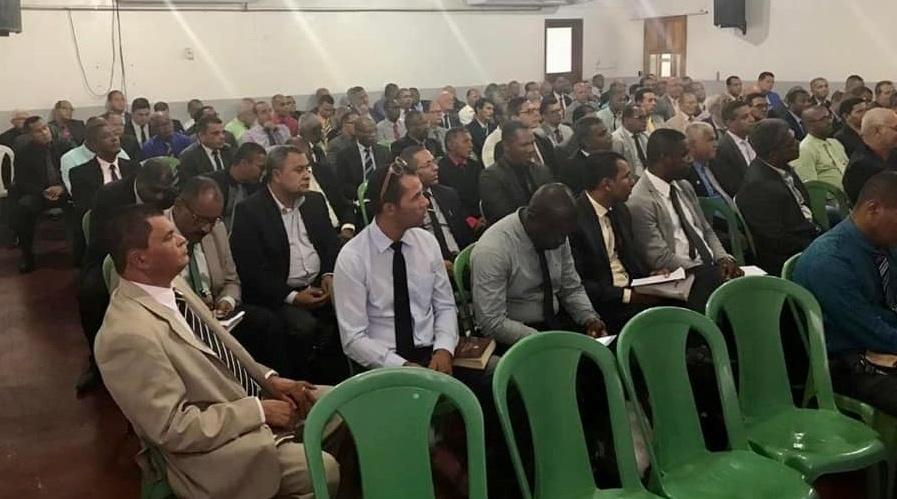 Oziel anuncia pré-candidatura a prefeito de Camaçari