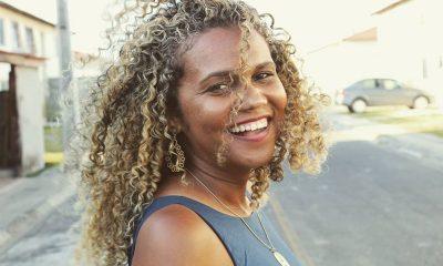 Mulheres de Camaçari: através das redes sociais, Cida propaga o empoderamento feminino