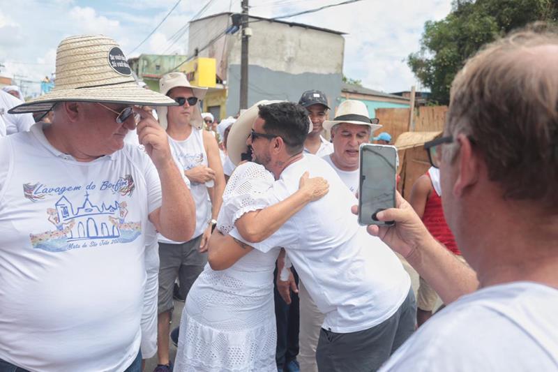 Mata de São João: pré-candidata a prefeita, Márcia Dias confirma popularidade na Lavagem do Bonfim