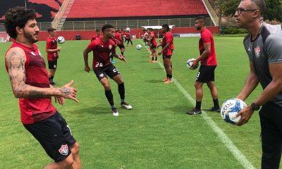 Vitória encara CRB na quinta e Bahia no domingo
