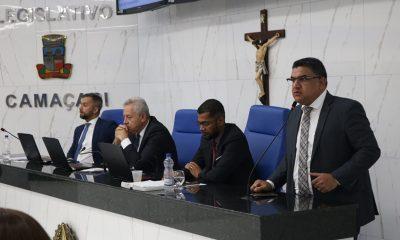 """""""Elinaldo era uma esperança e não representou a renovação política em Camaçari"""", dispara Oziel em meio a aplausos e contestações"""