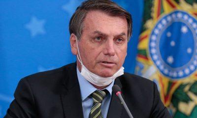Bolsonaro revoga parte de MP que permitia suspensão do contrato de trabalho