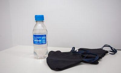 Prefeitura distribui álcool gel e máscaras para pessoas em situação de rua