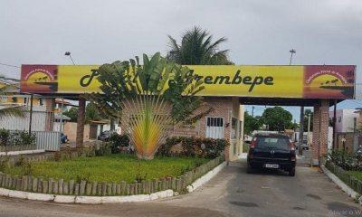 Santander realiza leilão de casa no condomínio Portal de Arembepe em Abrantes