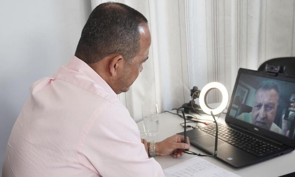Elinaldo participa de reunião com Rui Costa para discutir ações contra o coronavírus nesta sexta-feira