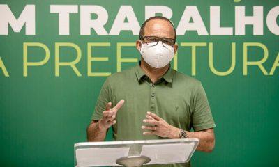 Governo Elinaldo aplica R$ 560 milhões na saúde; lidera investimento na RMS e rebate fake news