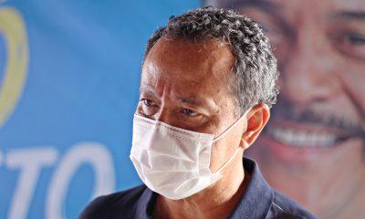 """""""Temos pacientes aguardando até seis horas dentro das ambulâncias por um leito"""", alerta Natan"""
