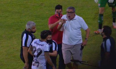 Presidente do Vitória, Paulo Carneiro é suspenso após ameaçar jogador do Ceará