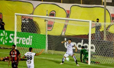 Em jogo movimentado, Ceará bate o Vitória e se classifica na Copa do Brasil