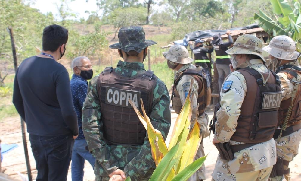 Força-tarefa combate invasão em anel florestal no Polo de Camaçari