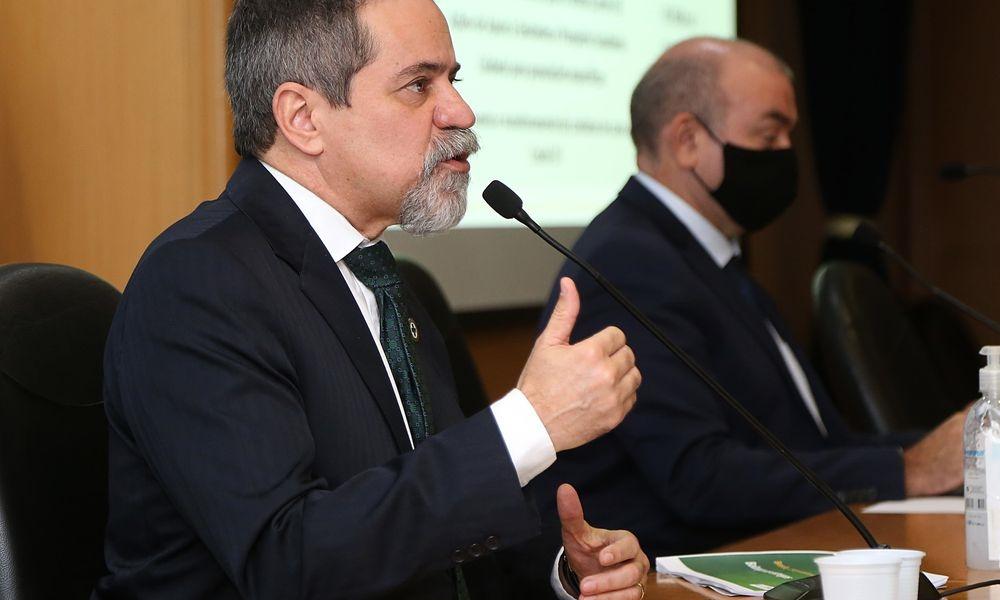 Covid-19: prioridade será de vacina em fase mais avançada, diz governo