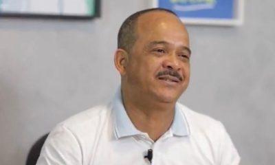 """Com formato de programa eleitoral de televisão, Elinaldo inova em transmissão do """"Parceiro do Povo"""""""