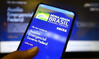 Caixa paga hoje auxílio emergencial a nascidos em julho