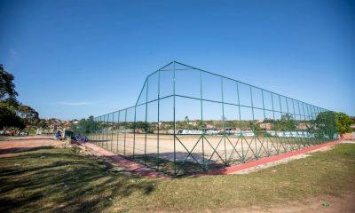 Campo do Parque Verde II segue para reta final das obras de requalificação