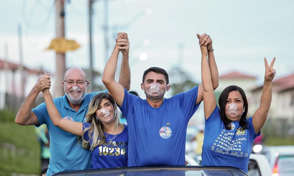 Ao lado de Tude e Ivana, Macedônio promove mega carreata na reta final de campanha